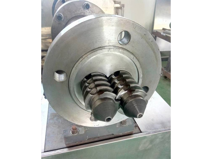 double-screw of puffed food extruder